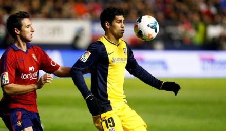 Diego Costa fue uno de los pocos jugadores colchoneros que dio la cara en El Sadar./Foto:Atlético de Madrid